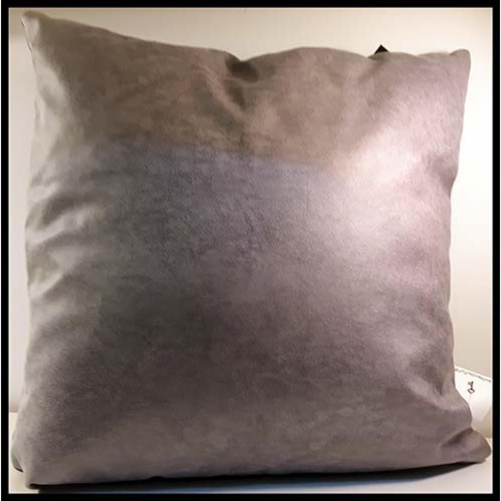 Coussin carré apparence cuir gris pâle