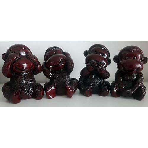 Ensemble quatre singes
