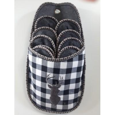 Porte-pantoufles carreaux noirs blancs chevreuil