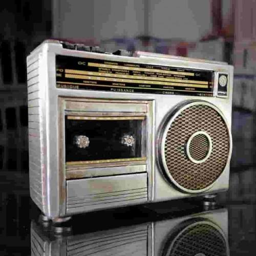 Radio cassette vintage déco
